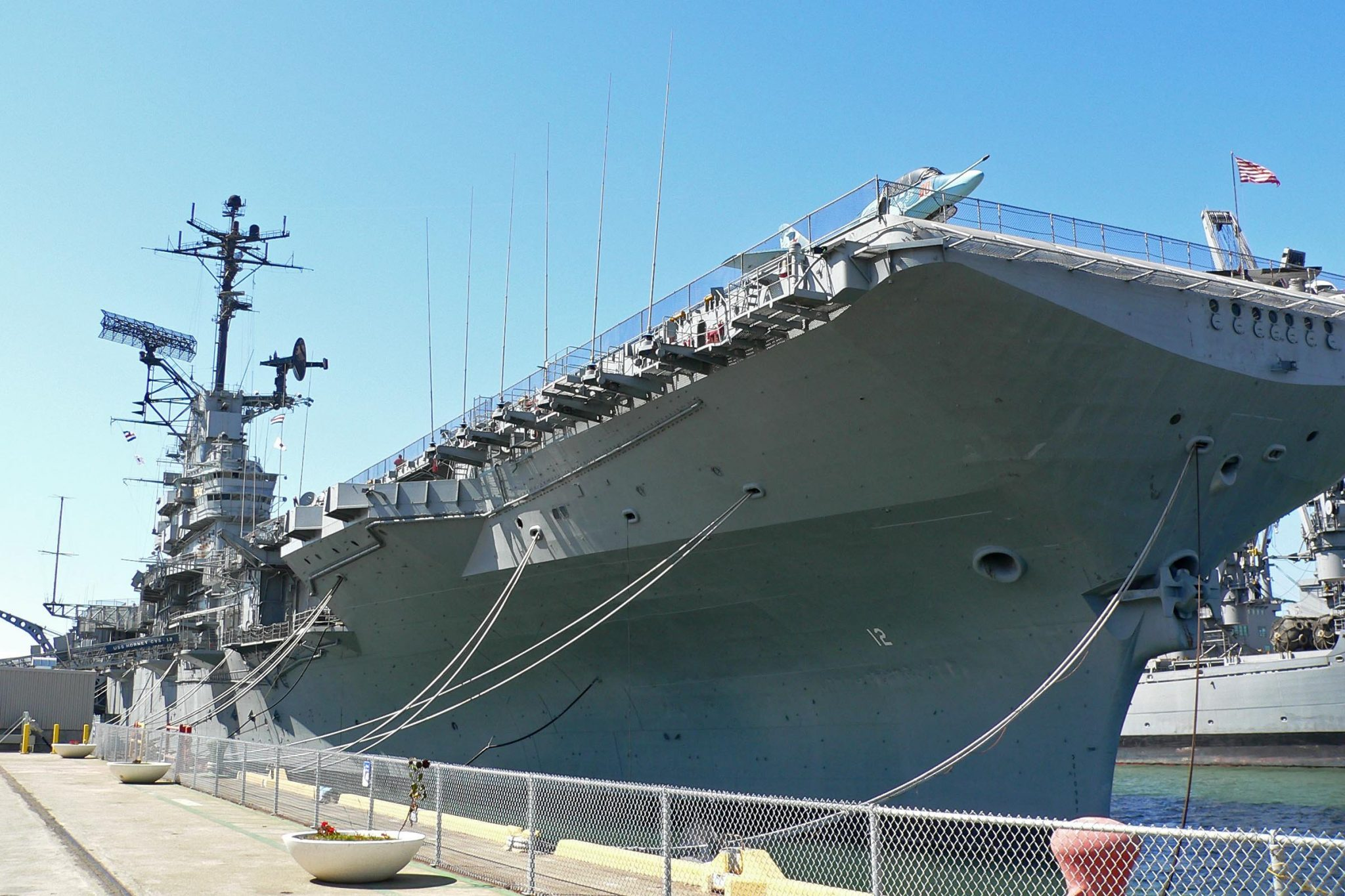AS USS Hornet