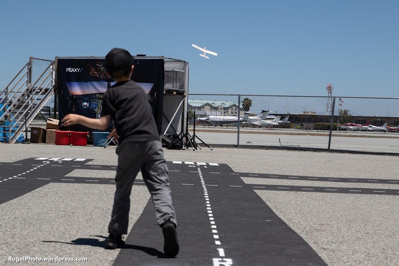 Glider on new SFO Runway