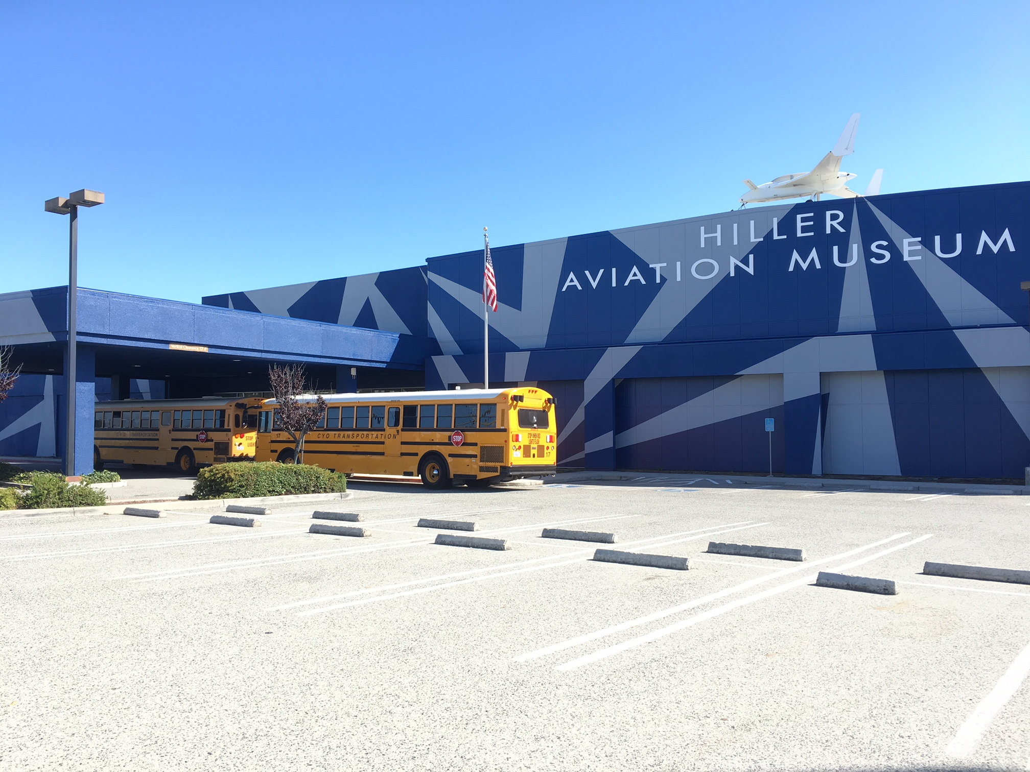 School Groups Arriving at Hiller Aviation Museum