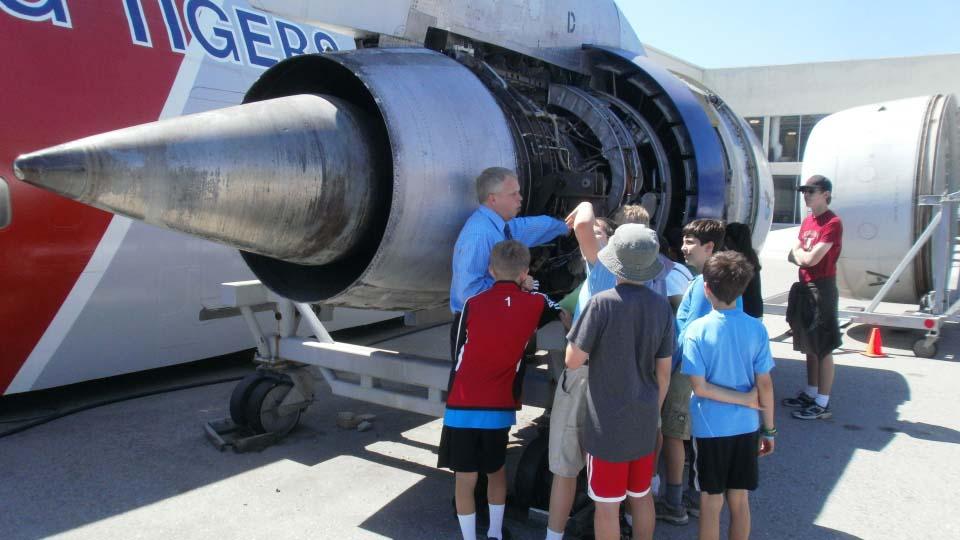 Exploring 747 engine.