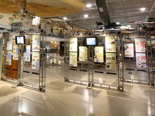 exhibits_beginnings_of_flight_2_600x450px