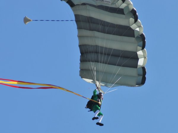 flying_leprechaun_2_600x450px