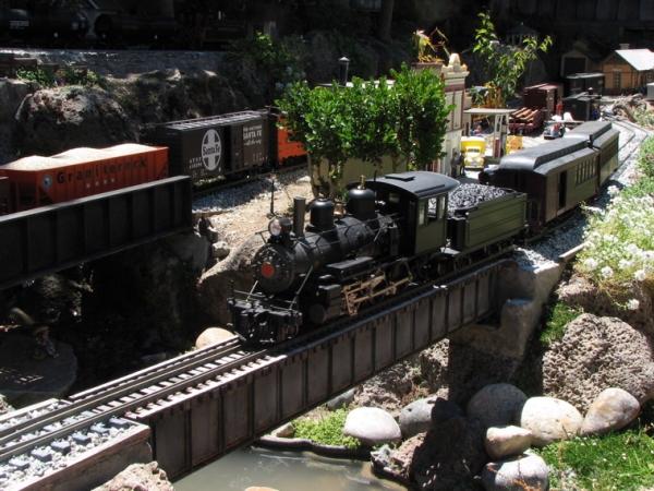 garden_railroad_3_600x450px