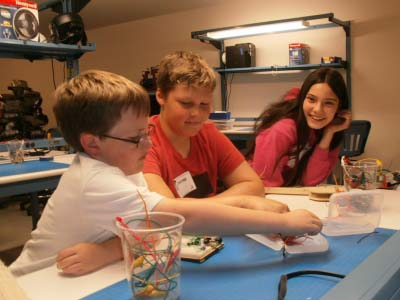 Invention Lab – Holiday Hours
